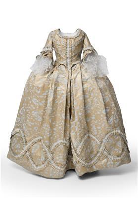 Isabelle de Borchgrave Paper Dresses 10877a