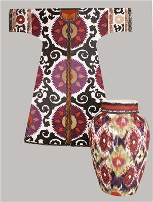 Isabelle de Borchgrave Paper Dresses 6953 7978 Kaftan et vase Shab