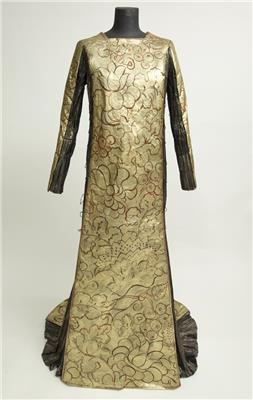 Isabelle de Borchgrave Paper Dresses 8226 080205Bebelle 071565
