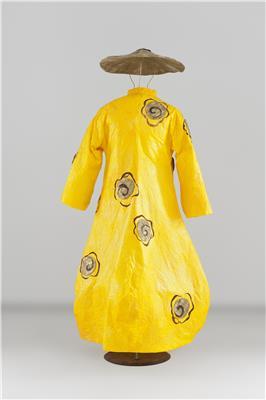 Isabelle de Borchgrave Paper Dresses 8855 Credit Andreas von Einsiedel 7