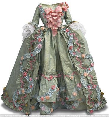 Isabelle de Borchgrave Paper Dresses 9612a
