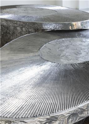 Isabelle de Borchgrave Tables basses aluminium avocat 28000EUR 2