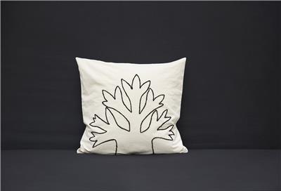 Valerie Barkowski cushion cover ecru HANA28 wool noir credit tania panova