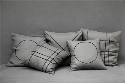 Valerie Barkowski cushion cover lin gris wool noir broderie main horizontal credit tania panova