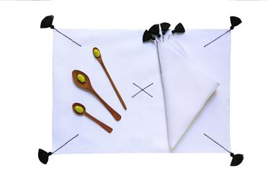 Valerie Barkowski BROKEN KROSS linge table blanc noir set serviette credit tania panova 18a46EUR