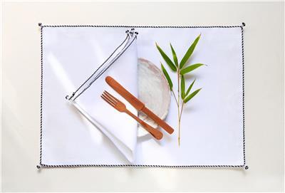 Valerie Barkowski table linen blanc NIL noir credit tania panova 2