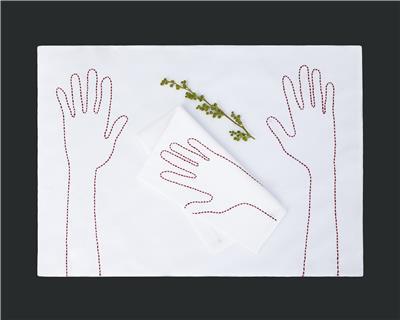 Valerie Barkowski table linen blanc OTIS carmin credit manon de clercq