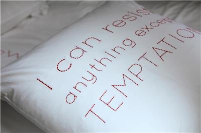 Valerie Barkowski bed linen blanc ORPHEUS carmin detail credit tania panova 3